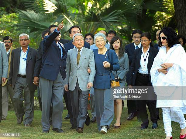 Japan's Emperor Akihito and Empress Michiko visit the Lodhi Garden on December 1 2013 in New Delhi India The Emperor and Empress are on a sixday...