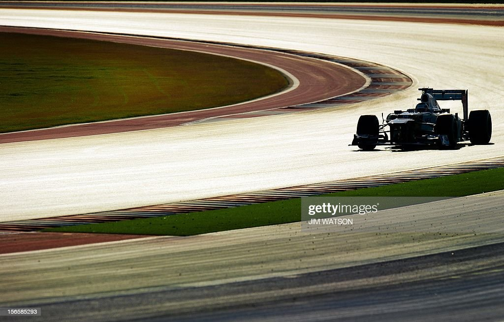 Japan's Kamui Kobayashi of Team Sauber F1 takes turn 18 during the early morning third practice session for the United States Formula One Grand Prix at the Circuit of the Americas on November 17, 2012 in Austin, Texas. AFP PHOTO/Jim WATSON