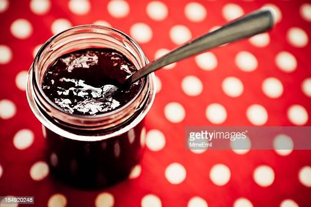 Pot de confiture de fraises
