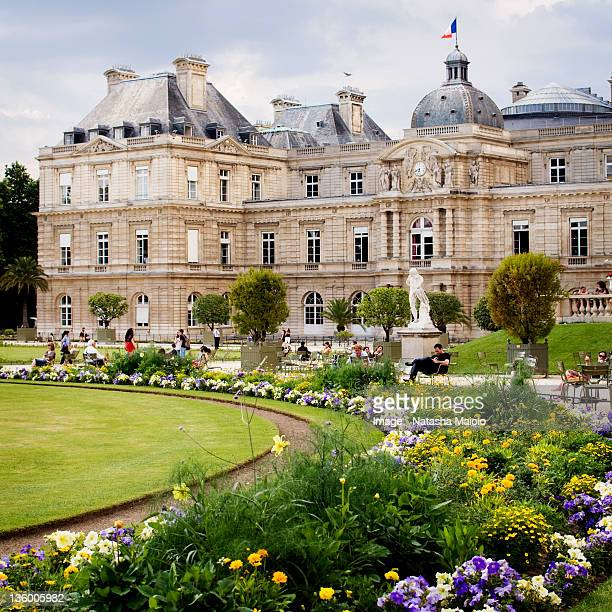 Le jardin du luxembourg stock photos and pictures getty for Ca vient du jardin