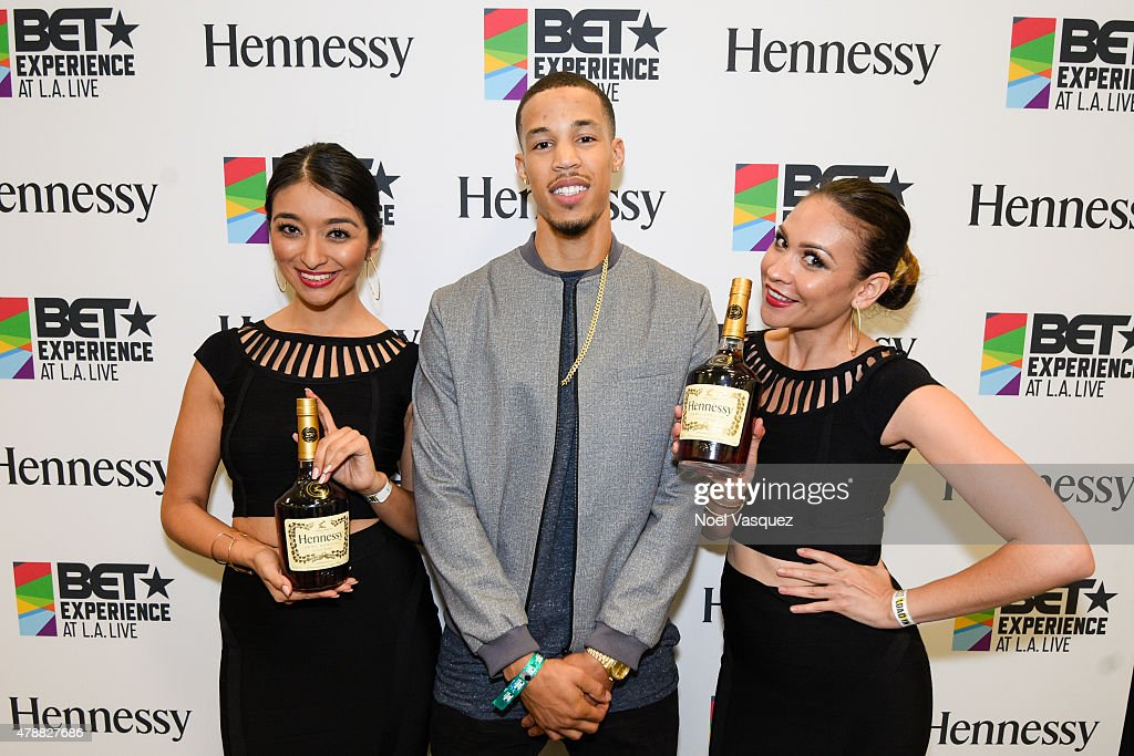 <a gi-track='captionPersonalityLinkClicked' href=/galleries/search?phrase=Jared+Cunningham&family=editorial&specificpeople=6549470 ng-click='$event.stopPropagation()'>Jared Cunningham</a> (C) attends the official BET Experience gifting suite sponsored by Hennessy at Los Angeles Convention Center on June 27, 2015 in Los Angeles, California.