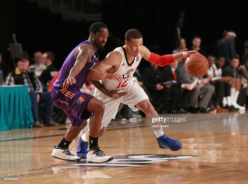 Jared Cunningham #12 of the Bakersfield Jam dribbles the ball against the Iowa Energy during the 2014 NBA D-League Showcase presented by Samsung Galaxy on January 7, 2014 at the Reno Events Center in Reno, Nevada.