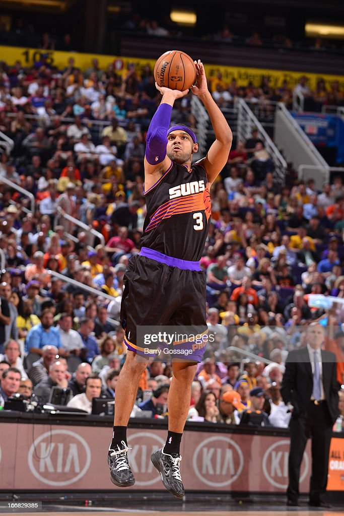 <a gi-track='captionPersonalityLinkClicked' href=/galleries/search?phrase=Jared+Dudley&family=editorial&specificpeople=224071 ng-click='$event.stopPropagation()'>Jared Dudley</a> #3 of the Phoenix Suns attempts a wide-open shot against the Los Angeles Lakers on March 18, 2013 at U.S. Airways Center in Phoenix, Arizona.