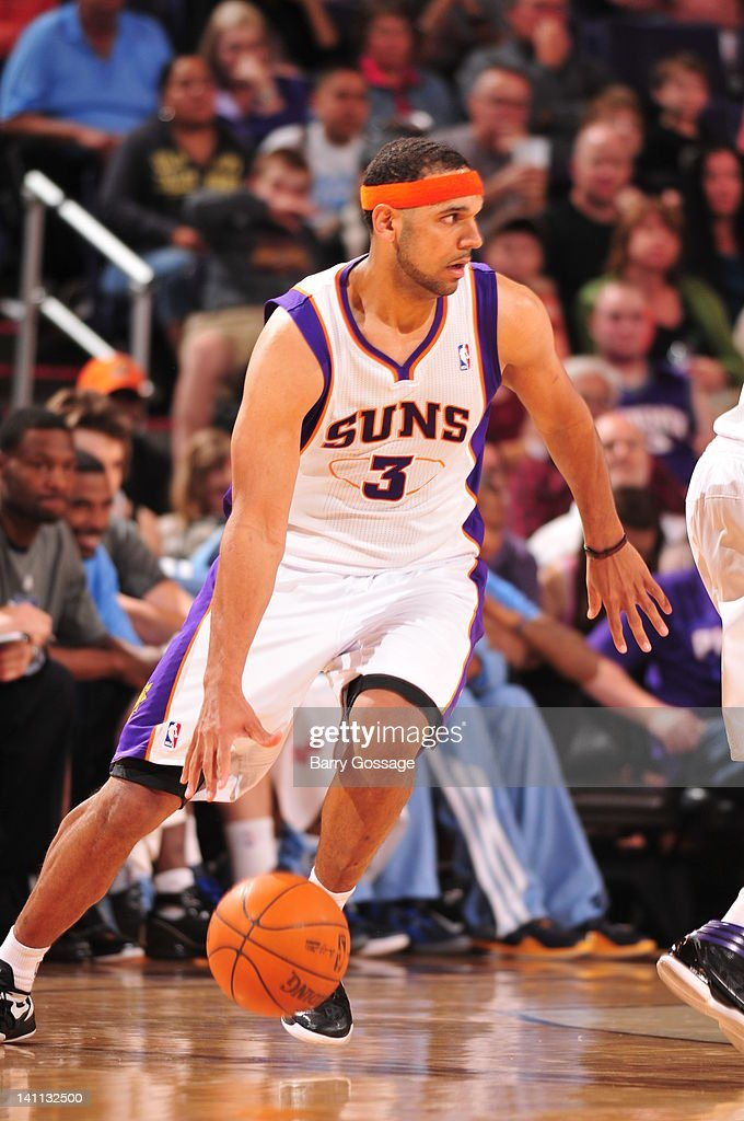 <a gi-track='captionPersonalityLinkClicked' href=/galleries/search?phrase=Jared+Dudley&family=editorial&specificpeople=224071 ng-click='$event.stopPropagation()'>Jared Dudley</a> #3 of the Phoenix Suns drives against the Memphis Grizzlies in an NBA game played on March 10, 2012 at U.S. Airways Center in Phoenix, Arizona.