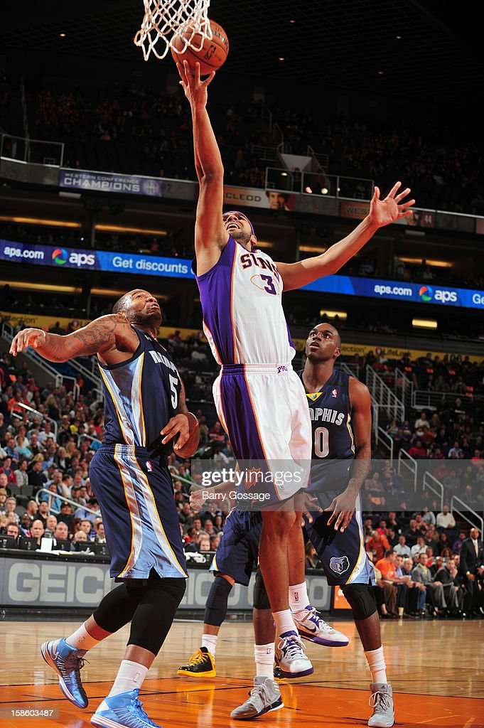 <a gi-track='captionPersonalityLinkClicked' href=/galleries/search?phrase=Jared+Dudley&family=editorial&specificpeople=224071 ng-click='$event.stopPropagation()'>Jared Dudley</a> #3 of the Phoenix Suns drives to the basket against the Memphis Grizzlies on December 12, 2012 at U.S. Airways Center in Phoenix, Arizona.
