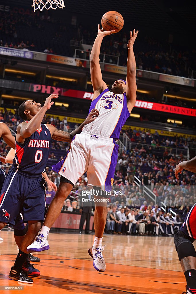 <a gi-track='captionPersonalityLinkClicked' href=/galleries/search?phrase=Jared+Dudley&family=editorial&specificpeople=224071 ng-click='$event.stopPropagation()'>Jared Dudley</a> #3 of the Phoenix Suns grabs a rebound against the Atlanta Hawks on March 1, 2013 at U.S. Airways Center in Phoenix, Arizona.