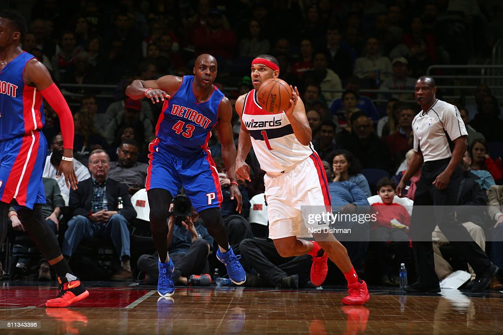 Jared Dudley of the Washington Wizards dribbles the ball against Anthony Tolliver of the Detroit Pistons on February 19 2016 at Verizon Center in...
