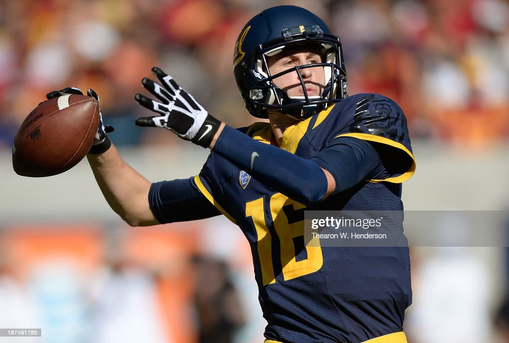 <a gi-track='captionPersonalityLinkClicked' href=/galleries/search?phrase=Jared+Goff&family=editorial&specificpeople=11322157 ng-click='$event.stopPropagation()'>Jared Goff</a> #16 of the California Golden Bears drops back to pass against the USC Trojans during the second quarter at California Memorial Stadium on November 9, 2013 in Berkeley, California.