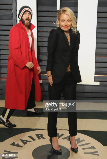 Jared Leto and Kelly Ripa arrive at the 2017 Vanity Fair Oscar Party Hosted By Graydon Carter at Wallis Annenberg Center for the Performing Arts on...