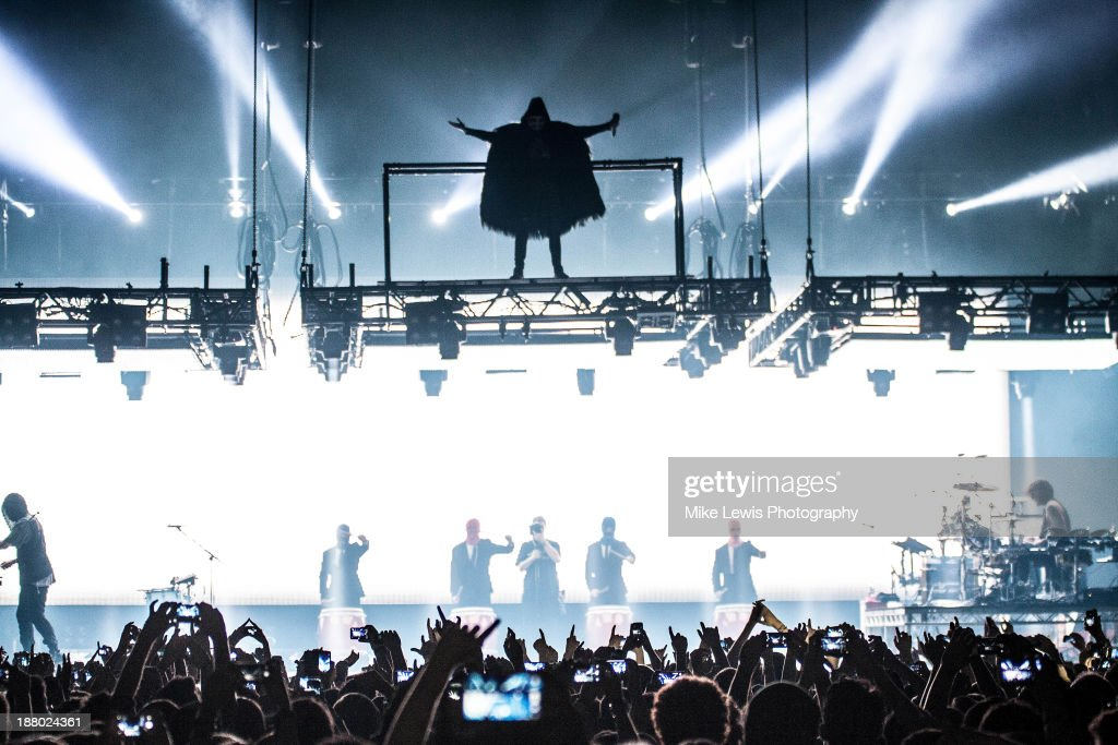 <a gi-track='captionPersonalityLinkClicked' href=/galleries/search?phrase=Jared+Leto&family=editorial&specificpeople=214764 ng-click='$event.stopPropagation()'>Jared Leto</a> of 30 Seconds to Mars performs live on stage at Motorpoint Arena on November 14, 2013 in Cardiff, United Kingdom.