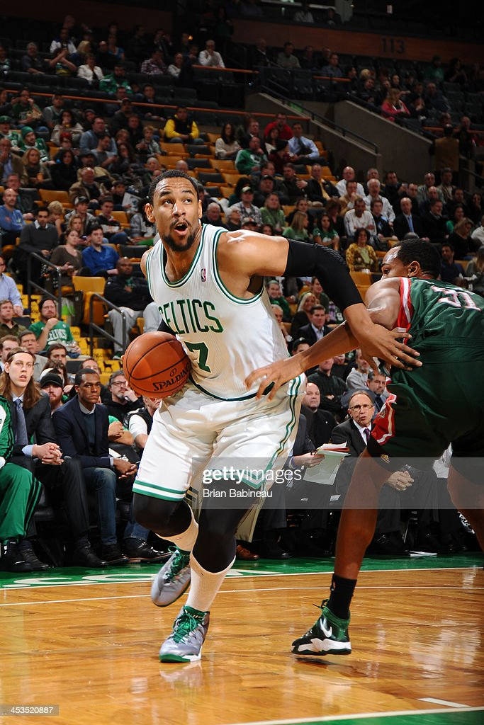Jared Sullinger #7 of the Boston Celtics handles the ball against the Milwaukee Bucks on December 3, 2013 at the TD Garden in Boston, Massachusetts.