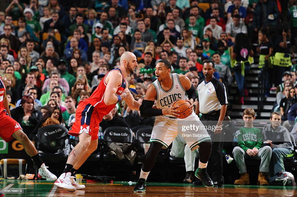 <a gi-track='captionPersonalityLinkClicked' href=/galleries/search?phrase=Jared+Sullinger&family=editorial&specificpeople=6866665 ng-click='$event.stopPropagation()'>Jared Sullinger</a> #7 of the Boston Celtics looks to drive to the basket against the Washington Wizards on December 21, 2013 at the TD Garden in Boston, Massachusetts.