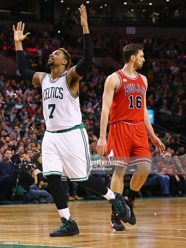 Jared Sullinger #7 of the Boston Celtics reacts after scoring against the Chicago Bulls during the second half at TD Garden on December 9, 2015 in Boston, Massachusetts. The Celtics defeat the Bulls 105-100.