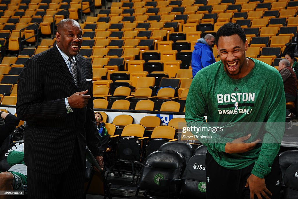 <a gi-track='captionPersonalityLinkClicked' href=/galleries/search?phrase=Jared+Sullinger&family=editorial&specificpeople=6866665 ng-click='$event.stopPropagation()'>Jared Sullinger</a> #7 of the Boston Celtics shares a laugh with <a gi-track='captionPersonalityLinkClicked' href=/galleries/search?phrase=Cedric+Maxwell&family=editorial&specificpeople=2105758 ng-click='$event.stopPropagation()'>Cedric Maxwell</a> before the game against the Philadelphia 76ers on January 29, 2014 at the TD Garden in Boston, Massachusetts.