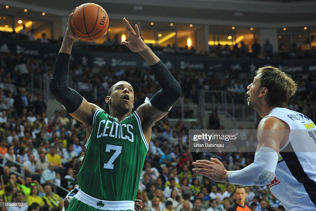 <a gi-track='captionPersonalityLinkClicked' href=/galleries/search?phrase=Jared+Sullinger&family=editorial&specificpeople=6866665 ng-click='$event.stopPropagation()'>Jared Sullinger</a> #7 of the Boston Celtics shoots against Fenerbahce Ulker on October 5, 2012 at the Ulker Sports Arena in Istanbul, Turkey.