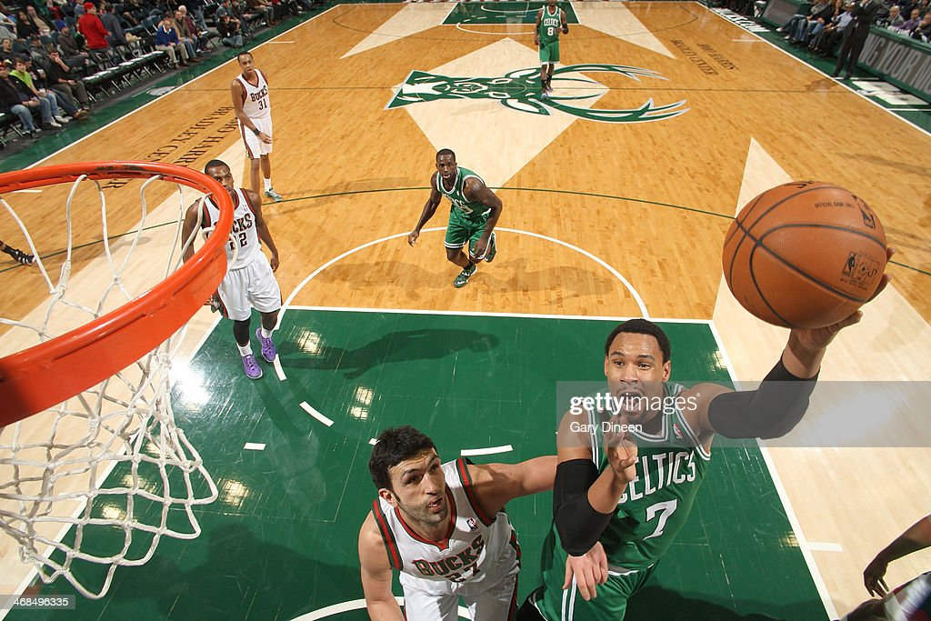 <a gi-track='captionPersonalityLinkClicked' href=/galleries/search?phrase=Jared+Sullinger&family=editorial&specificpeople=6866665 ng-click='$event.stopPropagation()'>Jared Sullinger</a> #7 of the Boston Celtics shoots against the Milwaukee Bucks on February 10, 2014 at the BMO Harris Bradley Center in Milwaukee, Wisconsin.