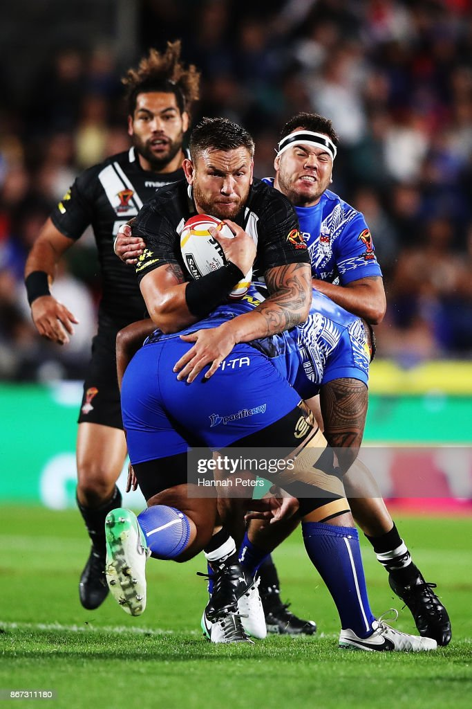 Jared Waerea-Hargreaves of the Kiwis charges forward during the 2017 Rugby League World Cup match between the New Zealand Kiwis and Samoa at Mt Smart Stadium on October 28, 2017 in Auckland, New Zealand.