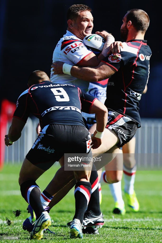 Jared Waerea-Hargreaves of the Roosters charges forward during the round 24 NRL match between the New Zealand Warriors and the Sydney Roosters at Mt Smart Stadium on August 24, 2014 in Auckland, New Zealand.
