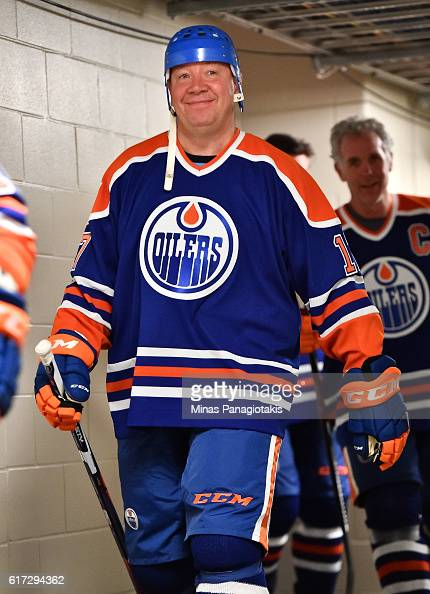 Jari Kurri of the Edmonton Oilers alumni takes to the ice in advance of the 2016 Tim Hortons NHL Heritage Classic alumni game at Investors Group...