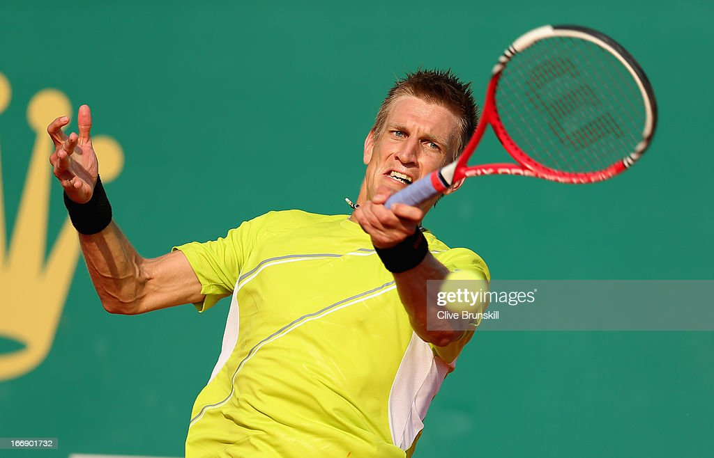 <a gi-track='captionPersonalityLinkClicked' href=/galleries/search?phrase=Jarkko+Nieminen&family=editorial&specificpeople=211396 ng-click='$event.stopPropagation()'>Jarkko Nieminen</a> of Finland plays a forehand against Juan Martin Del Potro of Argentina in their third round match during day five of the ATP Monte Carlo Masters,at Monte-Carlo Sporting Club on April 18, 2013 in Monte-Carlo, Monaco.