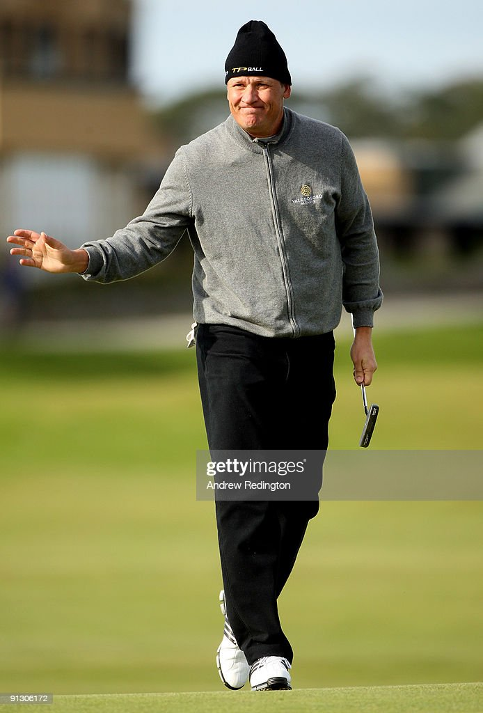 Jarmo Sandelin of Sweden waves to the crowd on the 17th hole during the first round of The Alfred Dunhill Links Championship at The Old Course on...