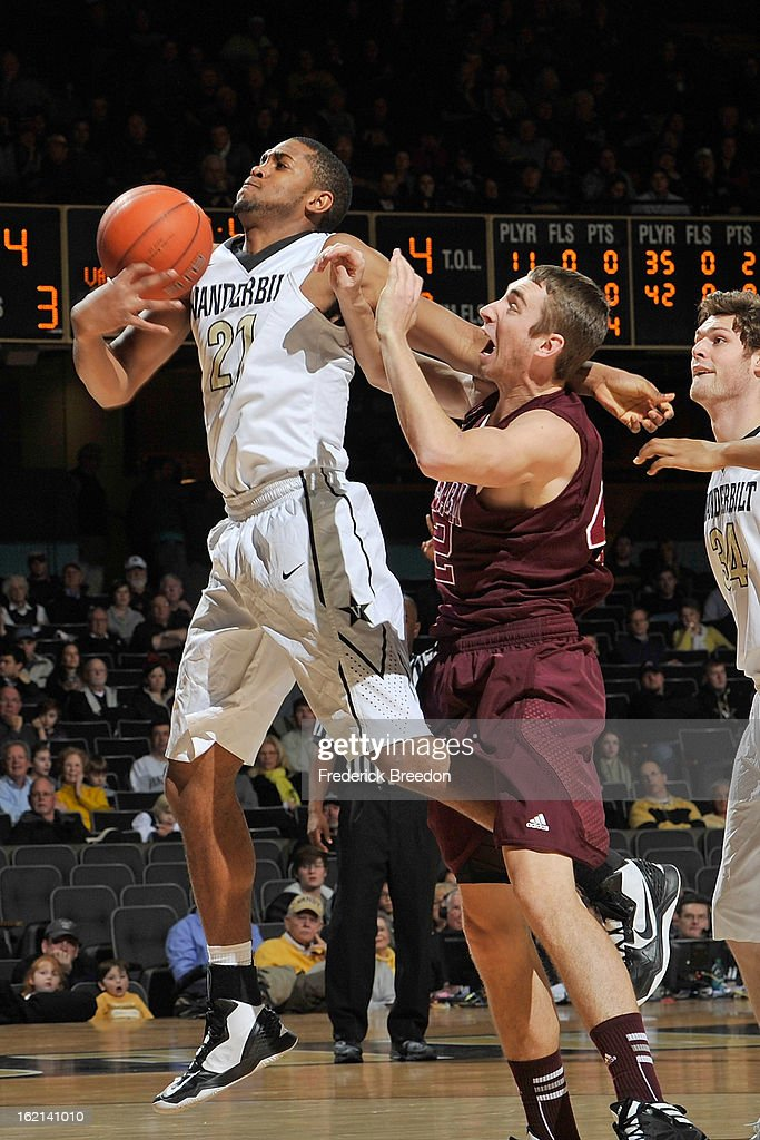 Jarod Jahns #42 of the Texas A&M Aggies plays against Sheldon Jeter #21 of the Vanderbilt Commodores at Memorial Gym on February 16, 2013 in Nashville, Tennessee.
