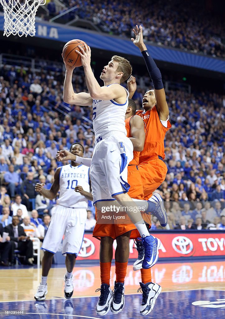 Jarod Polson #5 of the Kentucky Wildcats shoots the ball during the game against the Auburn Tigers at Rupp Arena on February 9, 2013 in Lexington, Kentucky.