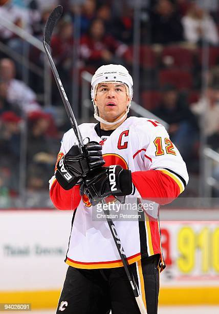 Jarome Iginla of the Calgary Flames during the NHL game against the Phoenix Coyotes at Jobingcom Arena on December 3 2009 in Glendale Arizona The...