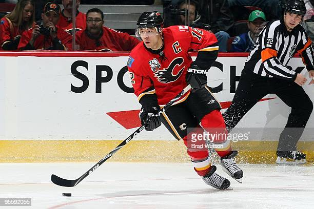 Jarome Iginla of the Calgary Flames skates against the Vancouver Canucks on December 27 2009 at Pengrowth Saddledome in Calgary Alberta Canada The...