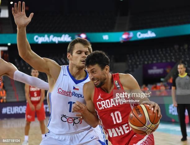 Jaromir Bohacik of Czech Republic vies with Leni Ukic Roko of Croatia during the FIBA Eurobasket 2017 mens basketball match between Czech Republic...