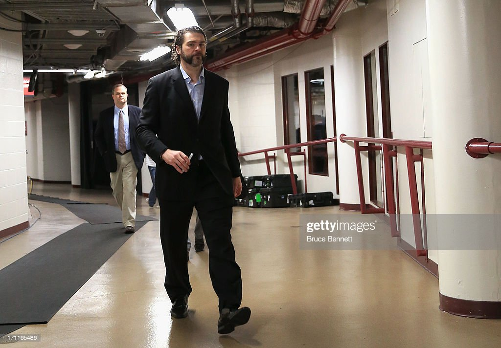 Jaromir Jagr of the Boston Bruins arrives at the arena to play against the Chicago Blackhawks in Game Five of the 2013 NHL Stanley Cup Final at...