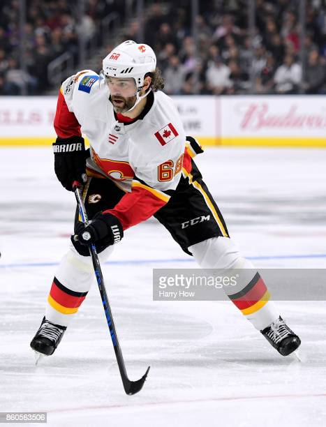 Jaromir Jagr of the Calgary Flames looks for a pass during the game against the Los Angeles Kings at Staples Center on October 11 2017 in Los Angeles...