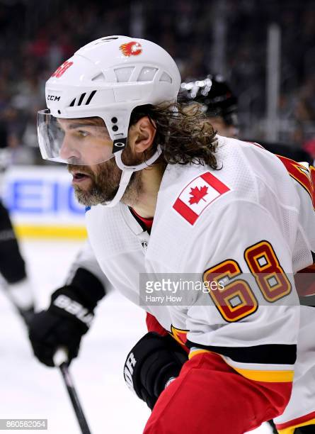 Jaromir Jagr of the Calgary Flames skates for the puck during the game against the Los Angeles Kings at Staples Center on October 11 2017 in Los...