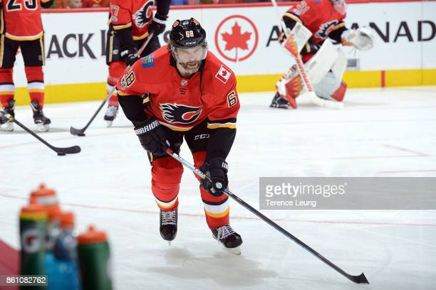 Jaromir Jagr of the Calgary Flames skates in the warmup before an NHL game against the Ottawa Senators on October 13 2017 at the Scotiabank...