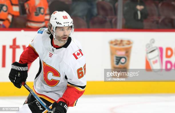 Jaromir Jagr of the Calgary Flames warms up prior to his game against the Philadelphia Flyers on November 18 2017 at the Wells Fargo Center in...