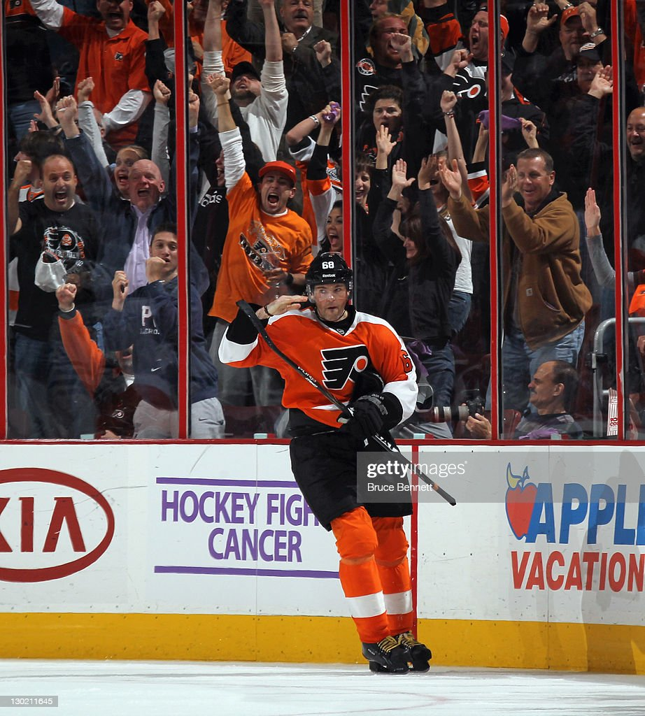 Jaromir Jagr of the Philadelphia Flyers scores his second goal of the game at 1515 of the third period and gives his signature salute against the...