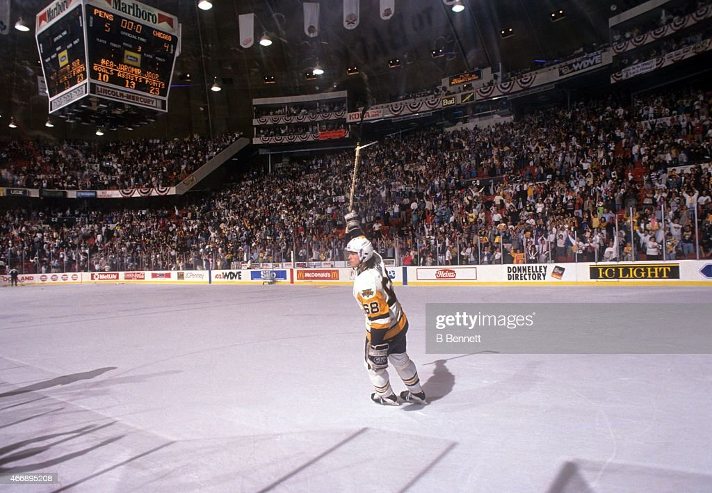 Jaromir Jagr #68 of the Pittsburgh Penguins salutes the fans after Game 1 of the 1992 Stanley Cup Finals against the Chicago Blackhawks on May 26, 1992 at the Pittsburgh Civic Center in Pittsburgh, Pennsylvania. The Penguins defeated the Blackhawks 5-4 to lead the series 1-0.
