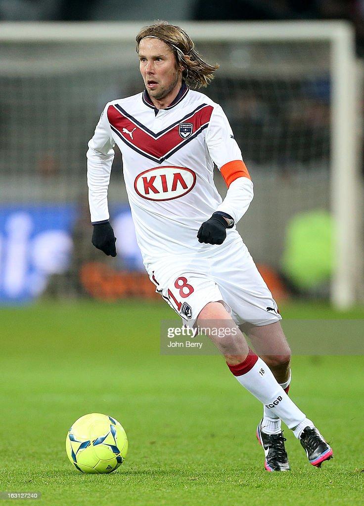 LOSC Lille Metropole v FC Girondins de Bordeaux - Ligue 1