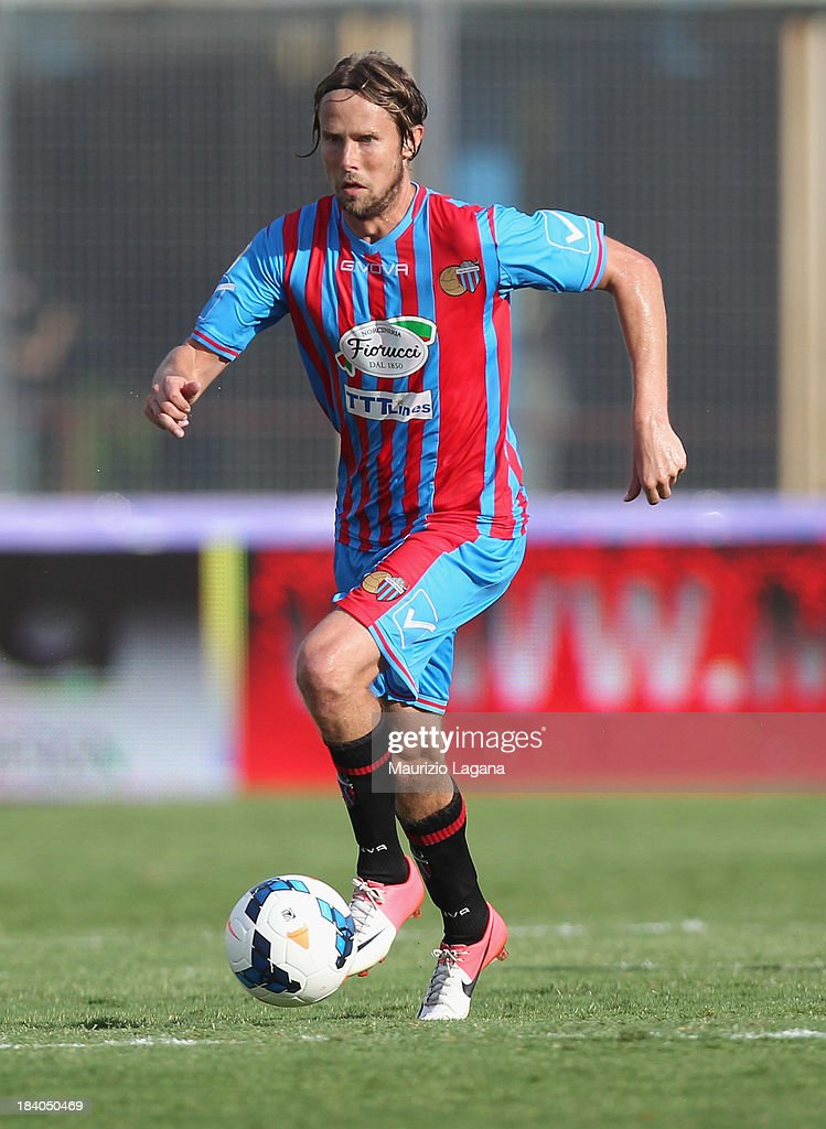 <a gi-track='captionPersonalityLinkClicked' href=/galleries/search?phrase=Jaroslav+Plasil&family=editorial&specificpeople=548133 ng-click='$event.stopPropagation()'>Jaroslav Plasil</a> of Catania during the Serie A match between Calcio Catania and Genoa CFC at Stadio Angelo Massimino on October 6, 2013 in Catania, Italy.
