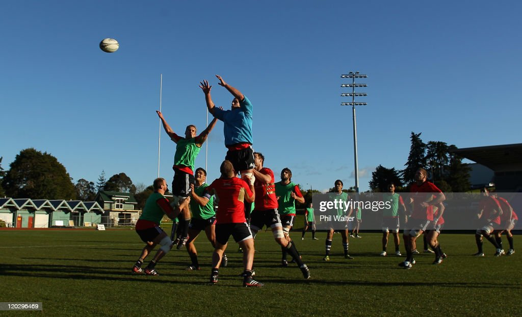Jarrad Hoeata and Brad Thorn of the All Blacks practice the lineout during a New Zealand All Blacks training session at Trusts Stadium on August 4...