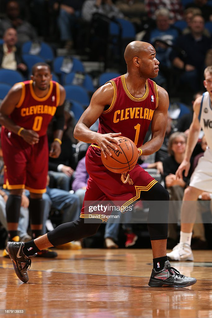 Jarrett Jack #1 of the Cleveland Cavaliers passes the ball against the Minnesota Timberwolves on November 13, 2013 at Target Center in Minneapolis, Minnesota.