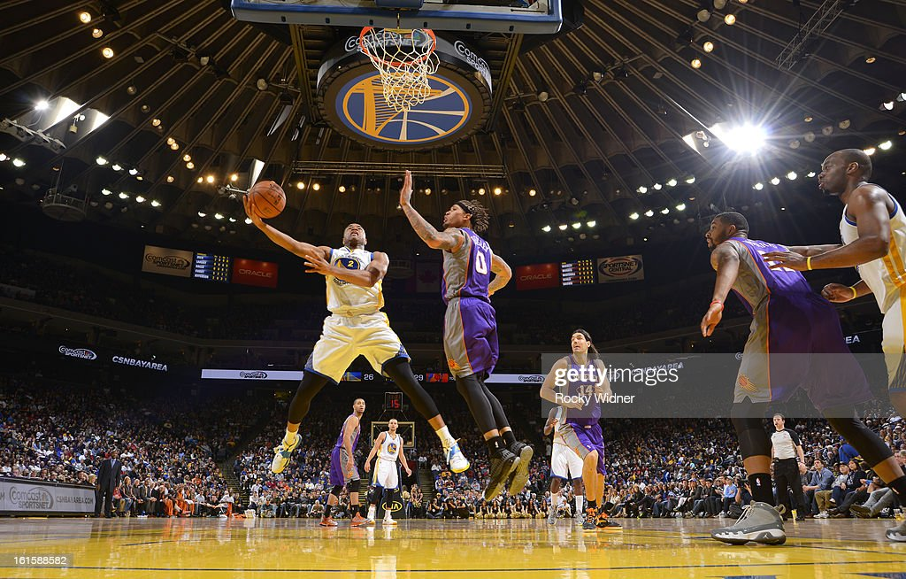 <a gi-track='captionPersonalityLinkClicked' href=/galleries/search?phrase=Jarrett+Jack&family=editorial&specificpeople=208109 ng-click='$event.stopPropagation()'>Jarrett Jack</a> #2 of the Golden State Warriors shoots against <a gi-track='captionPersonalityLinkClicked' href=/galleries/search?phrase=Michael+Beasley&family=editorial&specificpeople=4135134 ng-click='$event.stopPropagation()'>Michael Beasley</a> #0 of the Phoenix Suns on February 2, 2013 at Oracle Arena in Oakland, California.