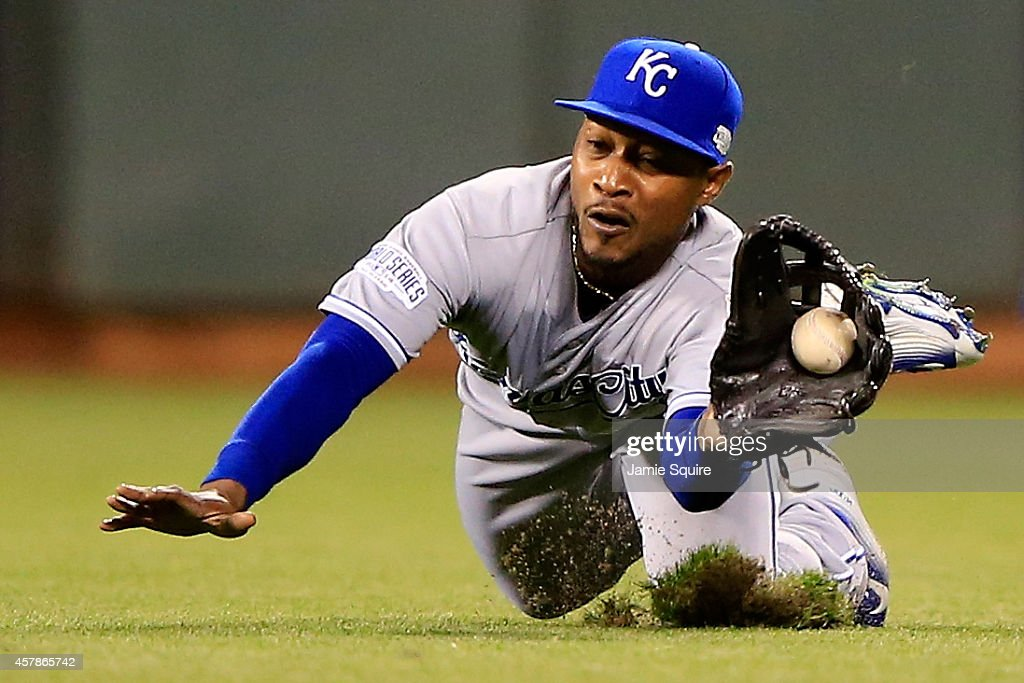 <a gi-track='captionPersonalityLinkClicked' href=/galleries/search?phrase=Jarrod+Dyson&family=editorial&specificpeople=6780110 ng-click='$event.stopPropagation()'>Jarrod Dyson</a> #1 of the Kansas City Royals makes a diving catch on a ball hit Juan Perez #2 of the San Francisco Giants in the fifth inning during Game Four of the 2014 World Series at AT&T Park on October 25, 2014 in San Francisco, California.