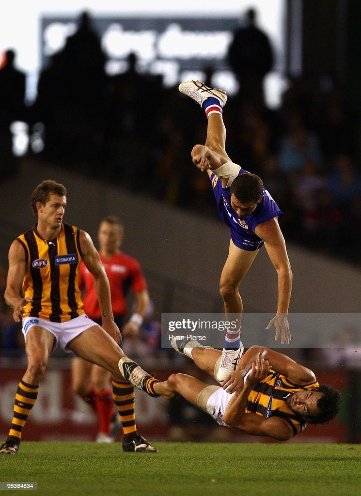 AFL Rd 3 - Bulldogs v Hawks