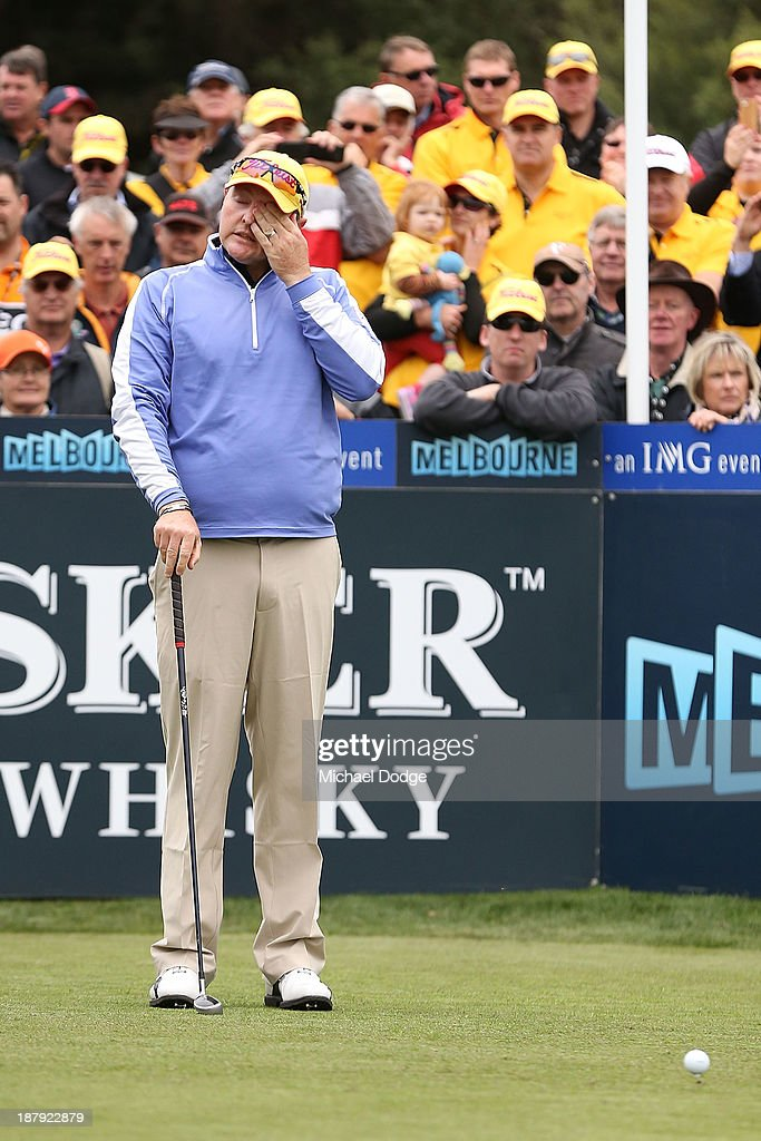 <a gi-track='captionPersonalityLinkClicked' href=/galleries/search?phrase=Jarrod+Lyle&family=editorial&specificpeople=210982 ng-click='$event.stopPropagation()'>Jarrod Lyle</a> of Australia cries on the first tee before his shot during round one of the 2013 Australian Masters at Royal Melbourne Golf Course on November 14, 2013 in Melbourne, Australia.