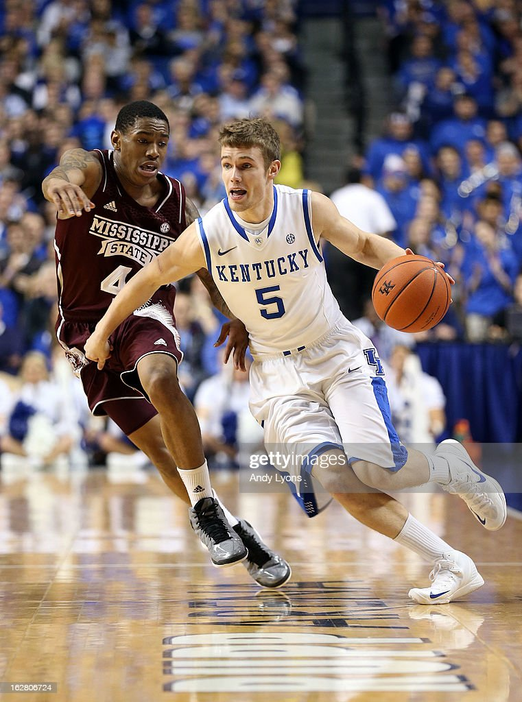 Jarrod Polson #5 of the Kentucky Wildcats dribbles the ball during the game against the Mississippi State Bulldogs at Rupp Arena on February 27, 2013 in Lexington, Kentucky.