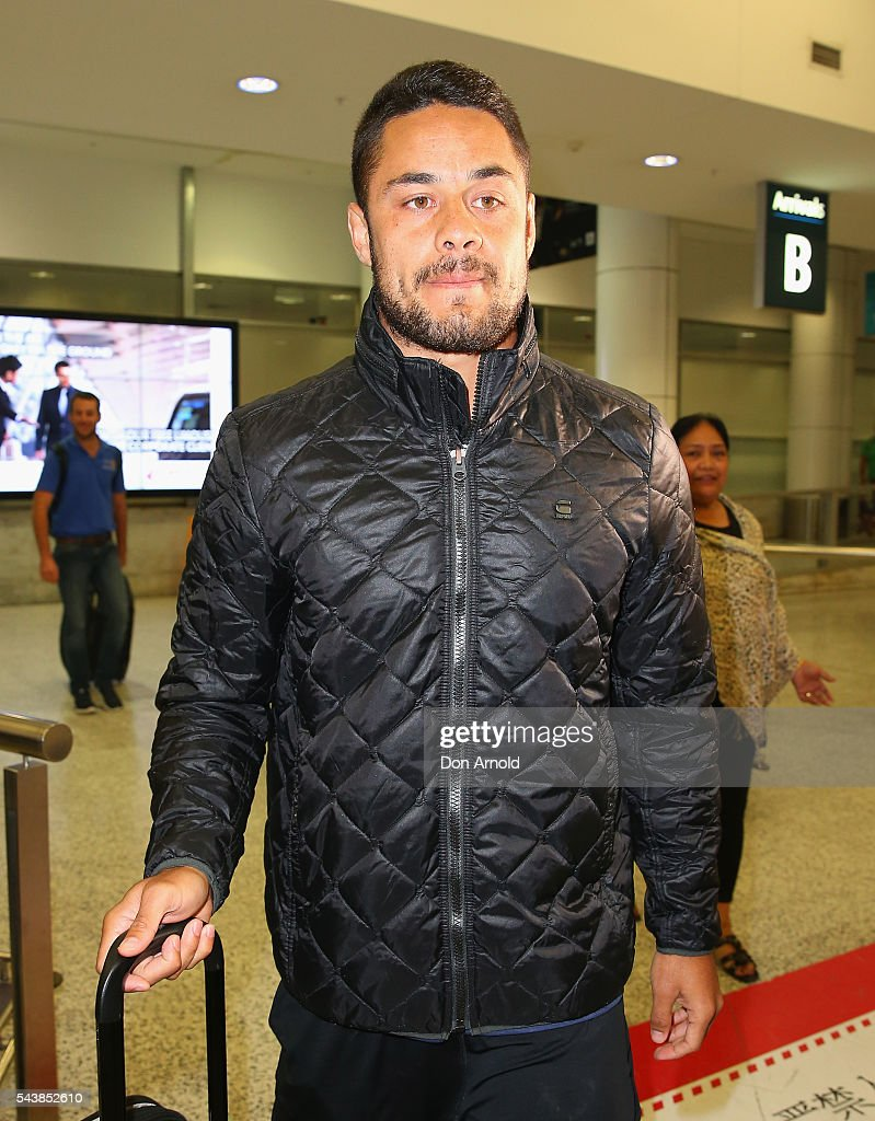 <a gi-track='captionPersonalityLinkClicked' href=/galleries/search?phrase=Jarryd+Hayne&family=editorial&specificpeople=563352 ng-click='$event.stopPropagation()'>Jarryd Hayne</a> arrivesl at Sydney International Airport on June 30, 2016 in Sydney, Australia. Radradra has been in Fiji on an extended break from the Parramatta Eels NRL club. Hayne has been in Fiji as he continued to train as part of the Fiji Rugby Sevens squad.