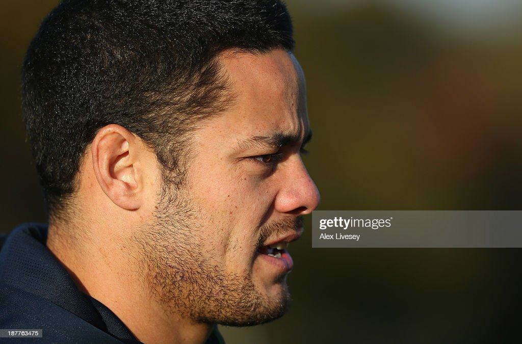 <a gi-track='captionPersonalityLinkClicked' href=/galleries/search?phrase=Jarryd+Hayne&family=editorial&specificpeople=563352 ng-click='$event.stopPropagation()'>Jarryd Hayne</a> of Australia gives out coaching tips to school boys from seven different schools to help kick off the Mancunians inaugural Year 10 tournament the largest Rugby League schools event held in the city of Manchester at Parrswood High School on November 12, 2013 in Manchester, England.