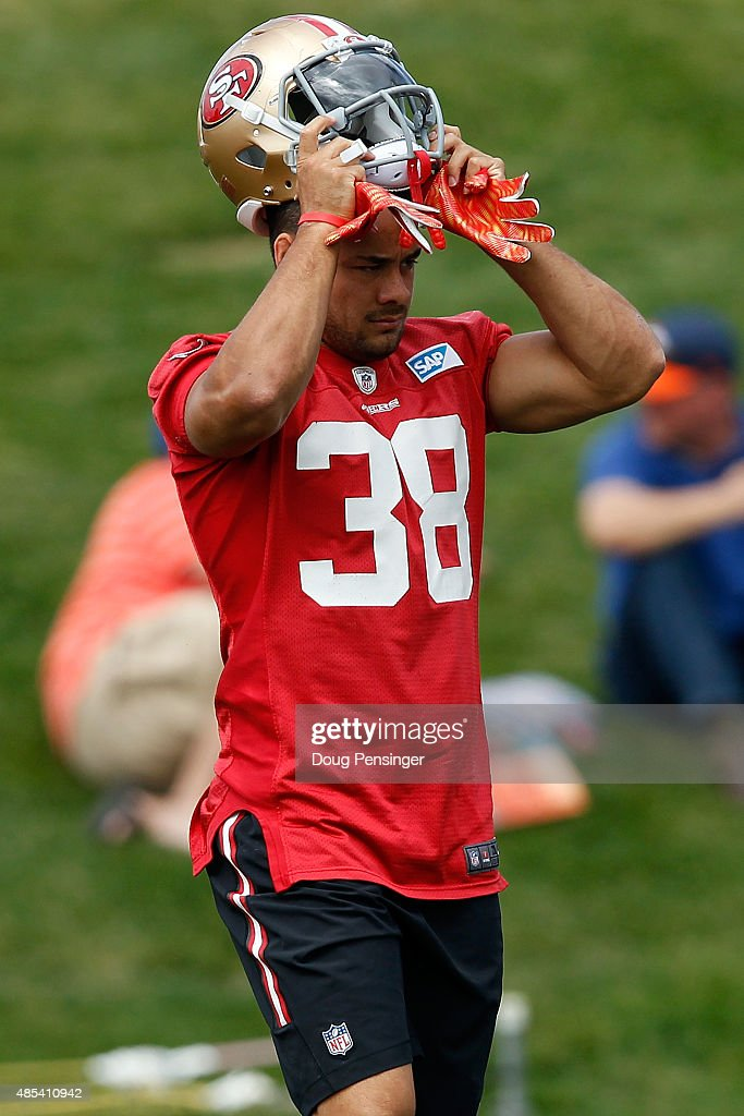 Jarryd Hayne of the San Francisco 49ers works out during a joint training session with the San Francisco 49ers and the Denver Broncos at the Denver...