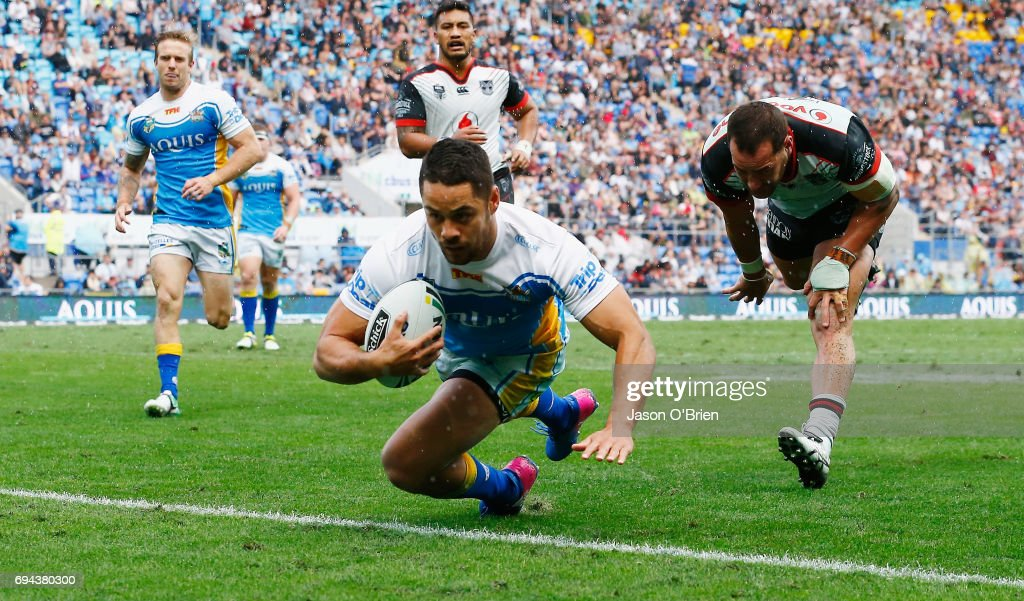 Jarryd Hayne of the Titans scores a try during the round 14 NRL match between the Gold Coast Titans and the New Zealand Warriors at Cbus Super Stadium on June 10, 2017 in Gold Coast, Australia.
